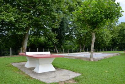 Camping proche des plages avec tables de ping-pong